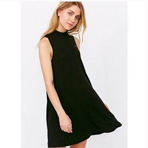 UO SILENCE+NOISE BLACK MOCK NECK SWING DRESS SZ XS